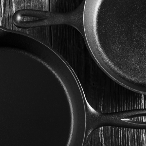 HOW TO REMOVE RUST FROM SKILLET POTS
